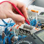 Électricien et vitrier : de fervents artisans du bâtiment